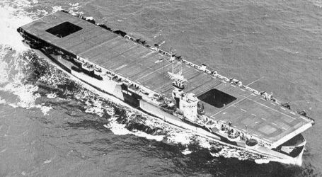 33 USS_Ommaney_Bay_(CVE-79)_1944