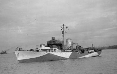 03 HMS_Vetch_(K132)_