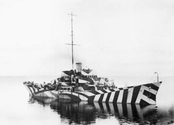 05 dazzle-camouflage-sail-boats