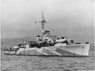 797px-HMS_Amethyst_WWII_IWM_A_30156