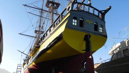 03 už pokročilá stavba v suezské loděnici