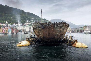 12 škuner Maud se ( ještě vrak) vrací do Norska