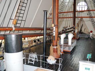 22 celá Fram je v_muzeu v Oslo, na snímku ale jen její část